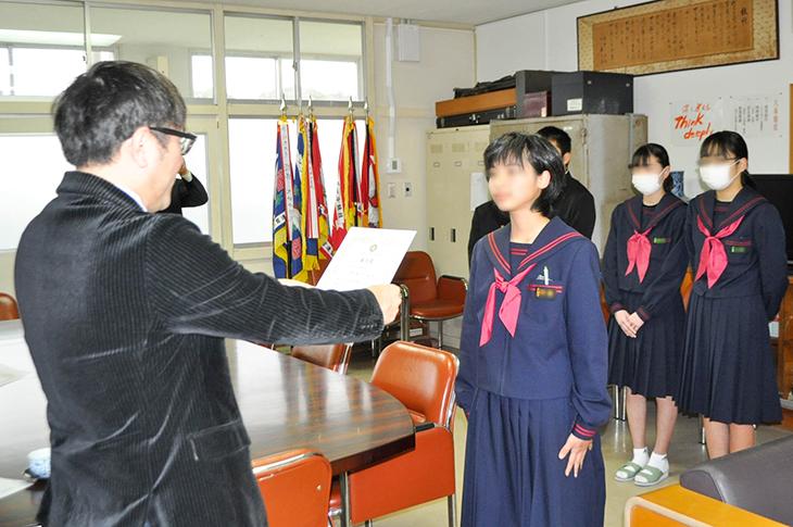 令和元年度第7回日出町小中学校善行表彰(日出RC)