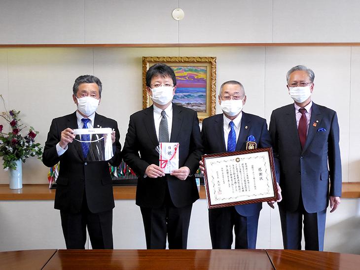 熊本市へフェイスシールドの贈呈